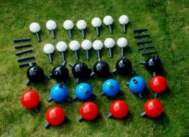 A collection of giant molecular model atoms of carbon, nitrogen and oxygen with grey bonds