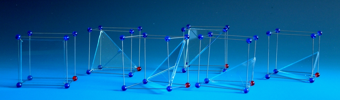 Molecular models of lattice planes